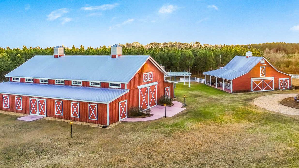 This Popular Barn Wedding Venue is Headed to Auction in Georgia