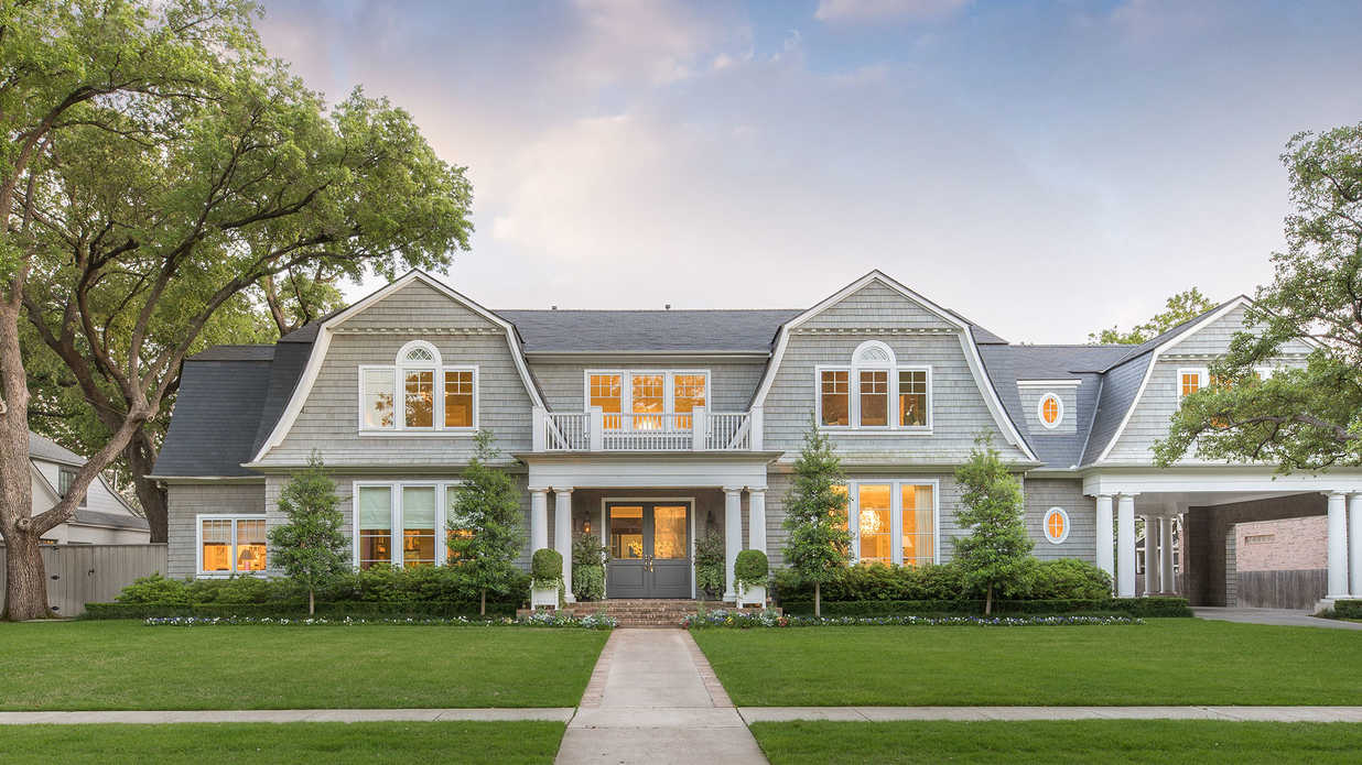 This Hamptons-Inspired Mansion Is a Master Class in Coastal Elegance in Texas