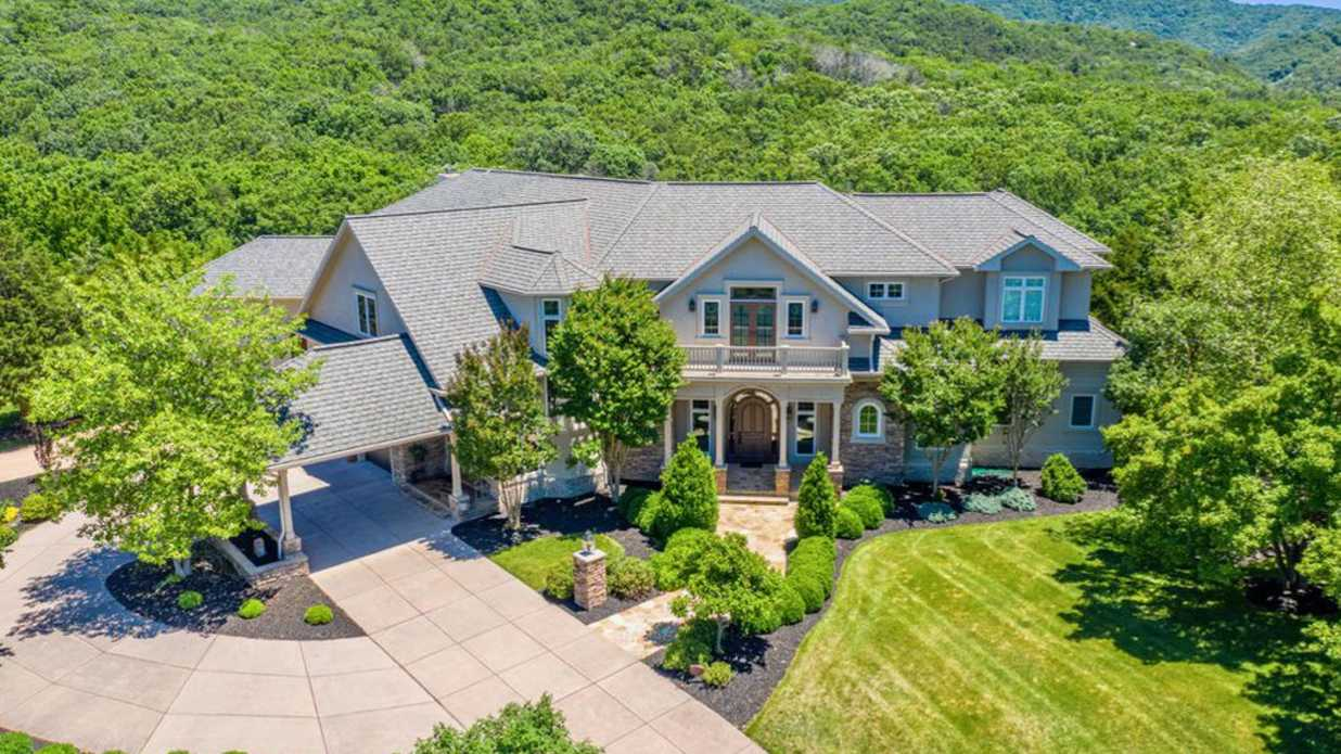 Retired Virginia Tech Coach Frank Beamer Is Selling His Stunning Virginia Mansion