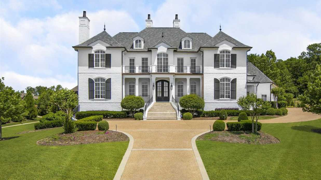 Julie Chrisley of <i>Chrisley Knows Best</i> Is Flipping Brentwood, Tennessee Estate for $4,750,000