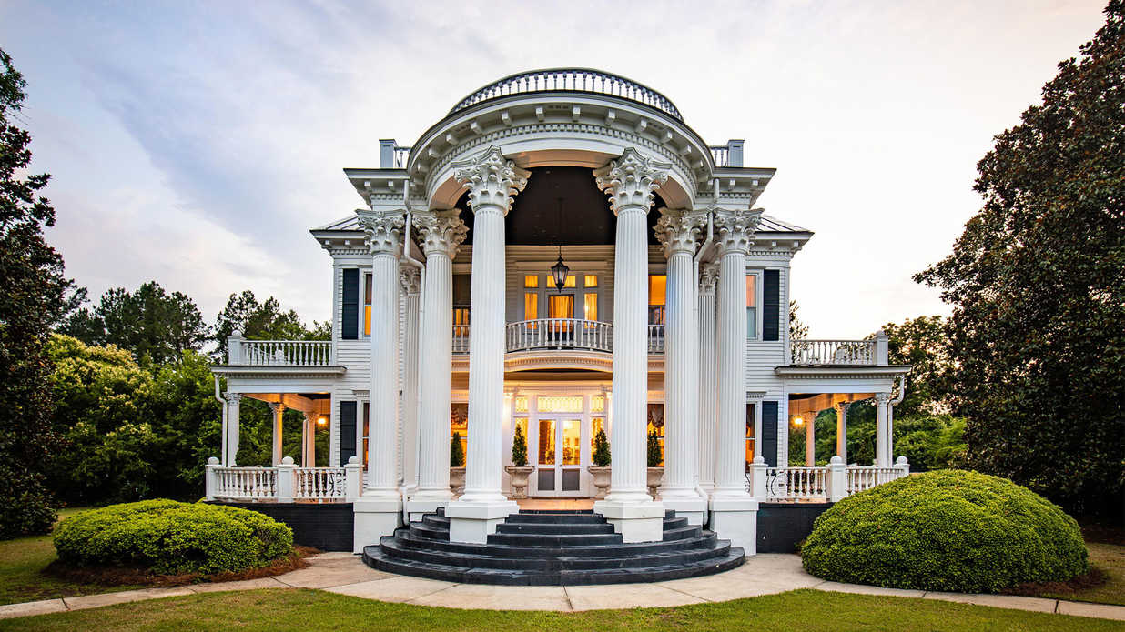 This Stunning Beaux-Arts Mansion in Small-Town South Carolina is an Absolute Steal