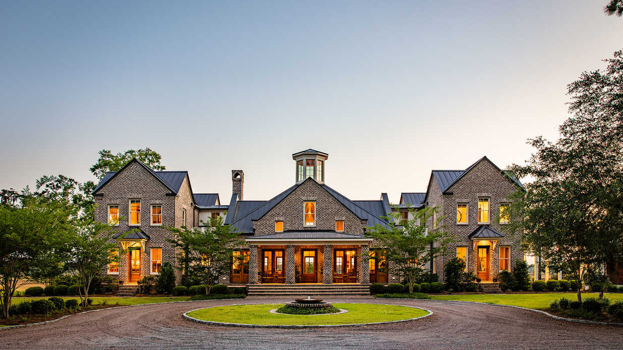 Warning: This Just-Listed Charleston Plantation Might Cause Swooning