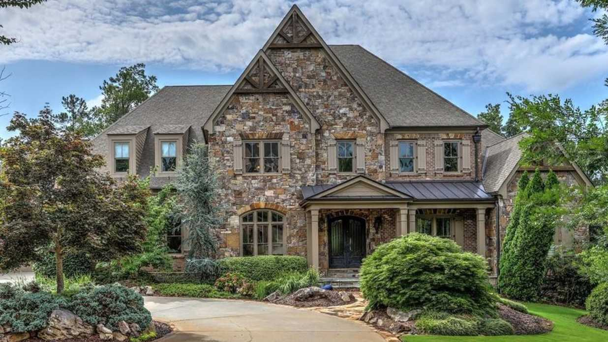 Atlanta Braves' Great Chipper Jones Selling Alpharetta Mansion for $3,750,000