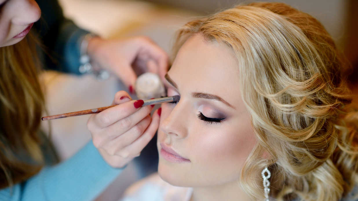 14 Homecoming Makeup Looks That'll Last All Night Long