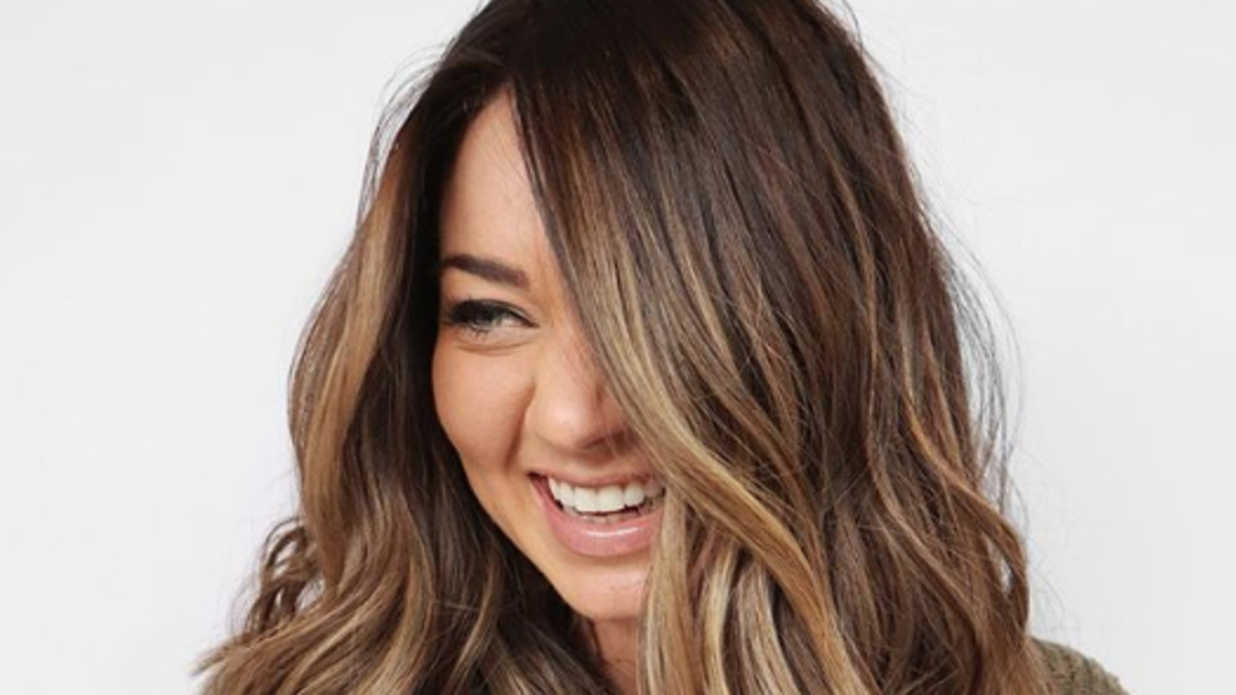 15 Stunning Examples of Melted Caramel Hair To Bring to Your Colorist This Fall