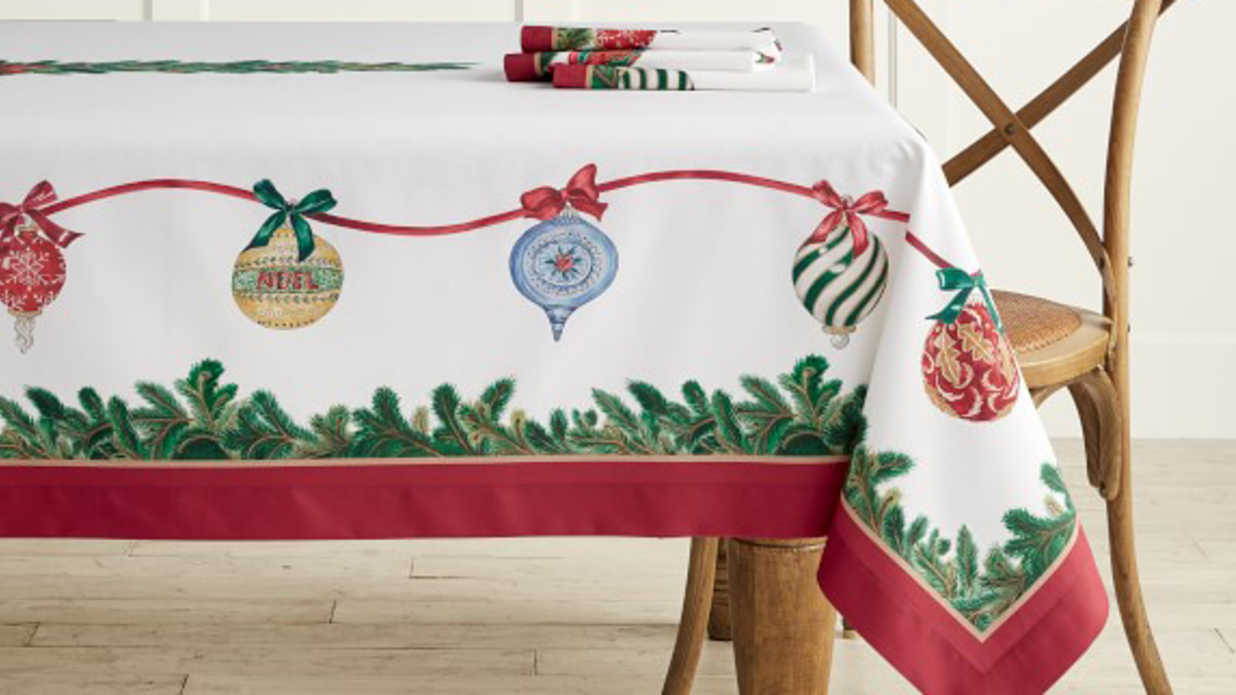 Pretty Christmas Tablecloths You'll Use Year After Year