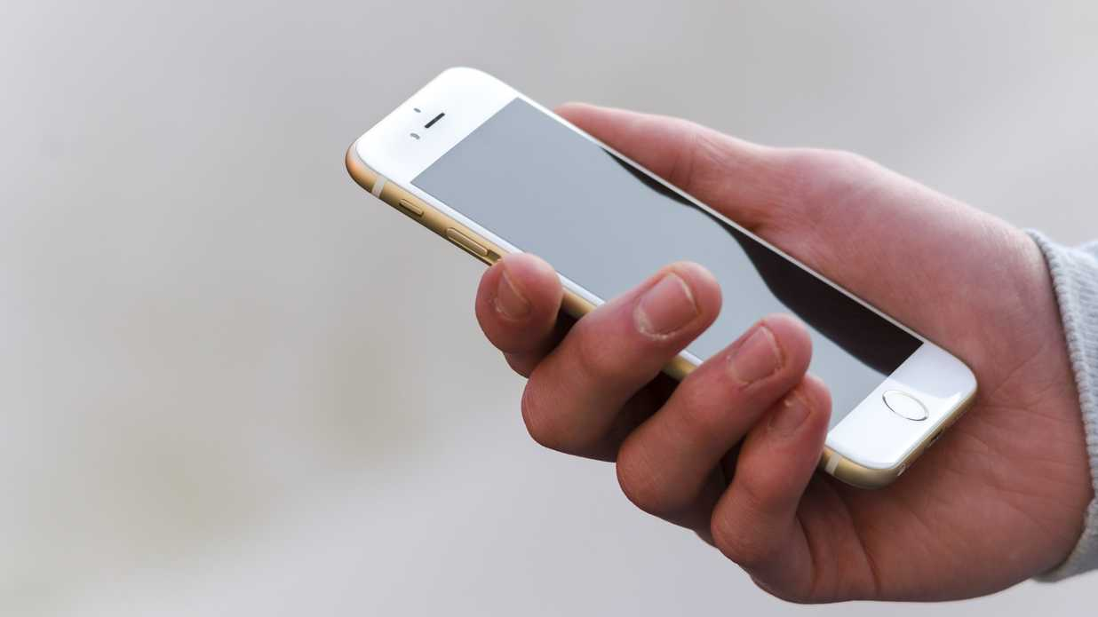 How to Disinfect Your iPhone During Cold and Flu Season