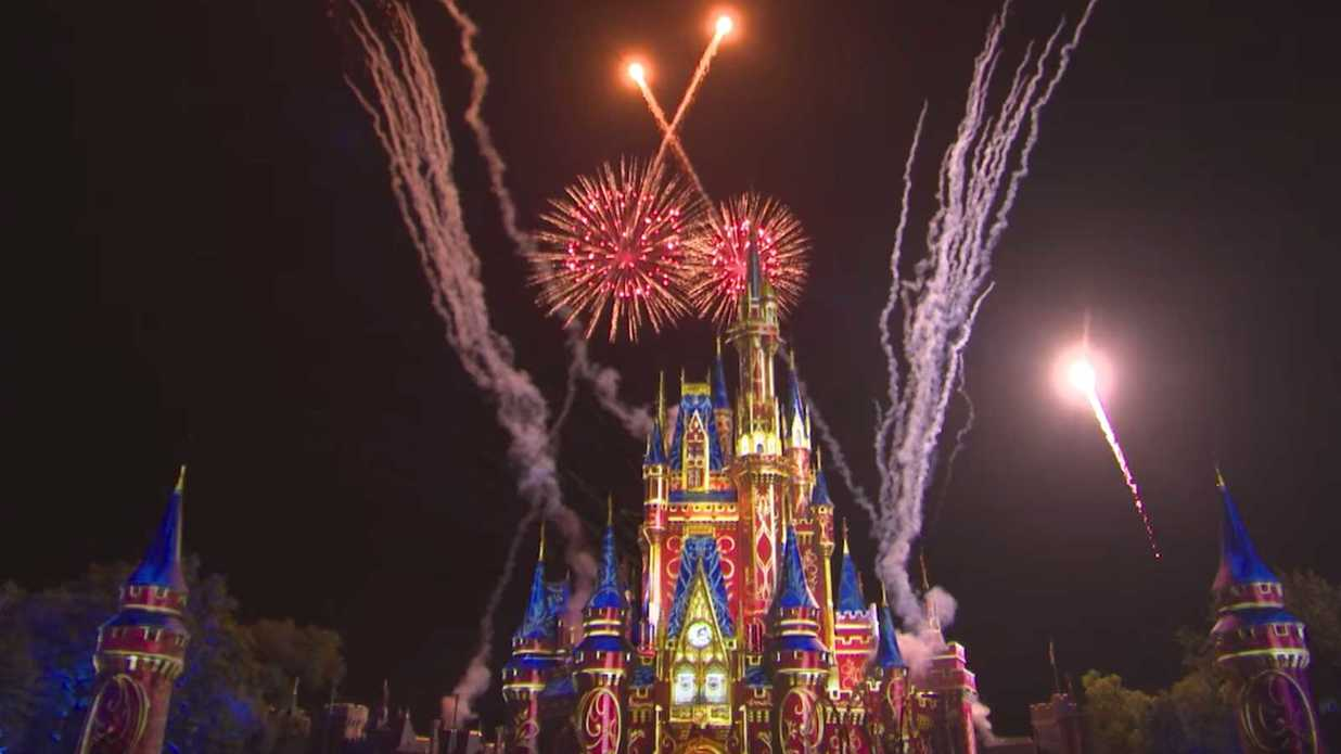This Is the Ultimate Bucket List for the Most Devoted Disney Theme Park Fans