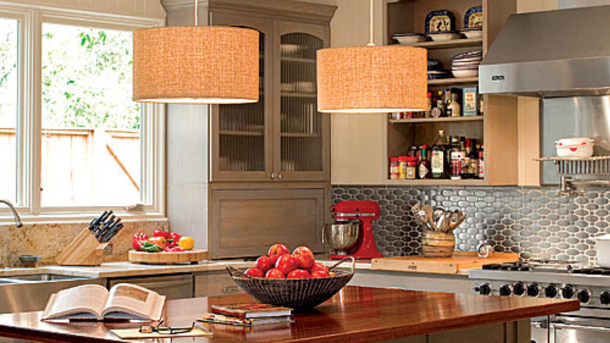 Kitchen decorating southern living for Southern living kitchen designs