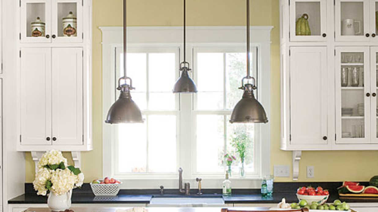 Style Guide Kitchen And Dining Room Lighting Southern Living - Dining room lights