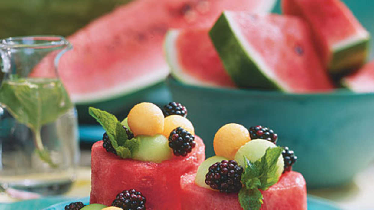 How To Make Watermelon Cups<p> </p>