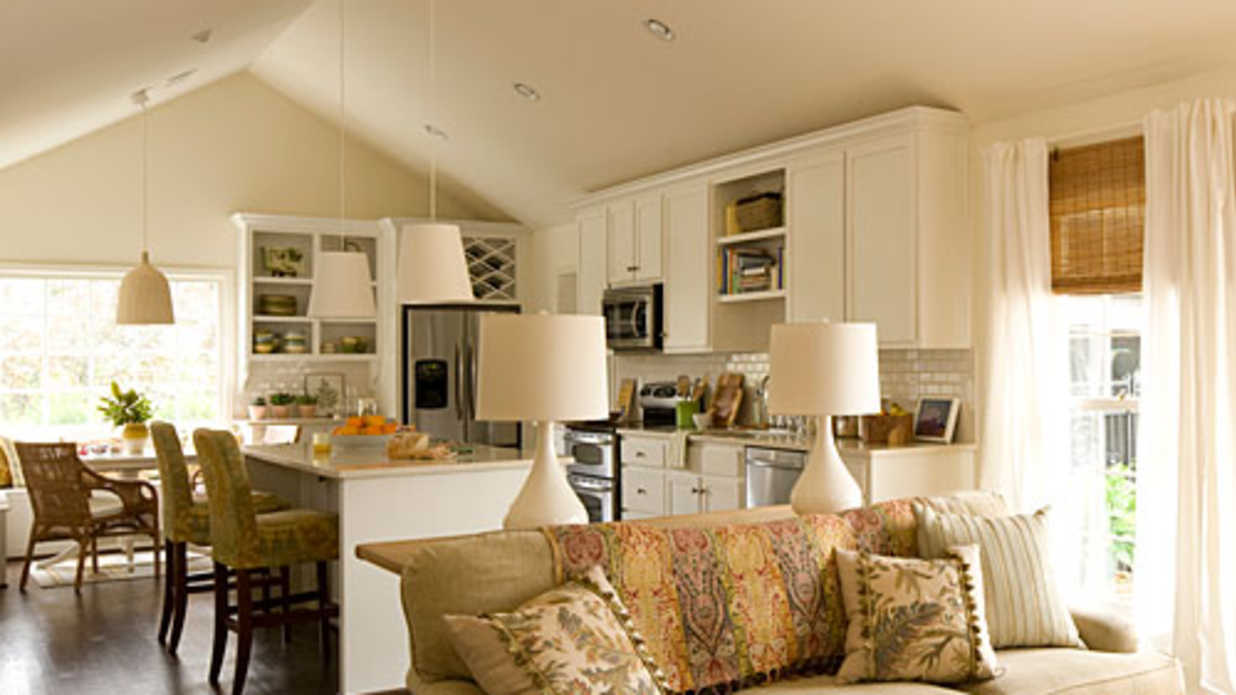 Dream Kitchen: Bright White Face-Lift
