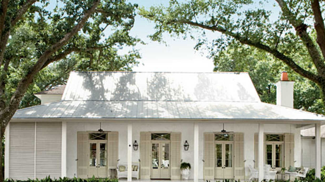 Classic southern paint colors southern living Sherwin williams march wind exterior