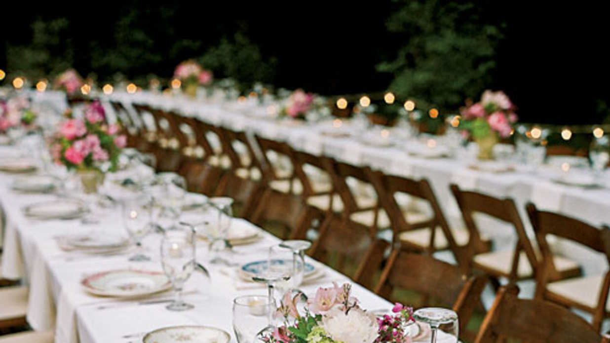 Wedding table ideas southern living for Cheap wedding decorations for tables