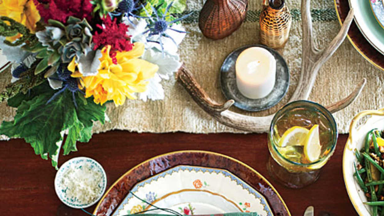 Warm Amp Rustic Thanksgiving Table Setting Southern Living