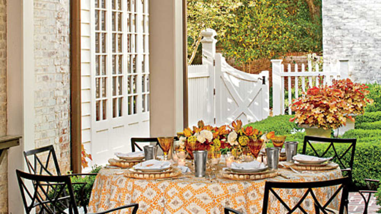 Sunny Summer Table Setting