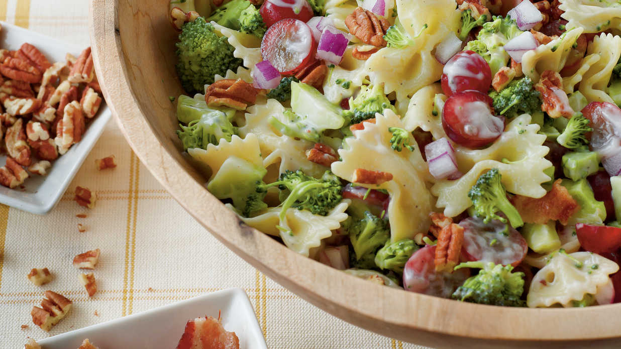Fresh and easy harvest salad recipes southern living for Easy salad ideas for bbq