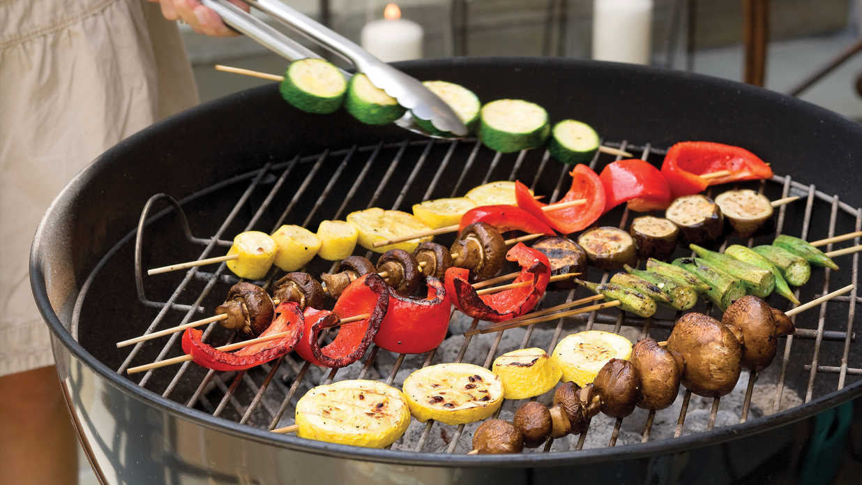 Easy vegetable kabobs our best barbecue side dish for Side dish recipes for grilling out