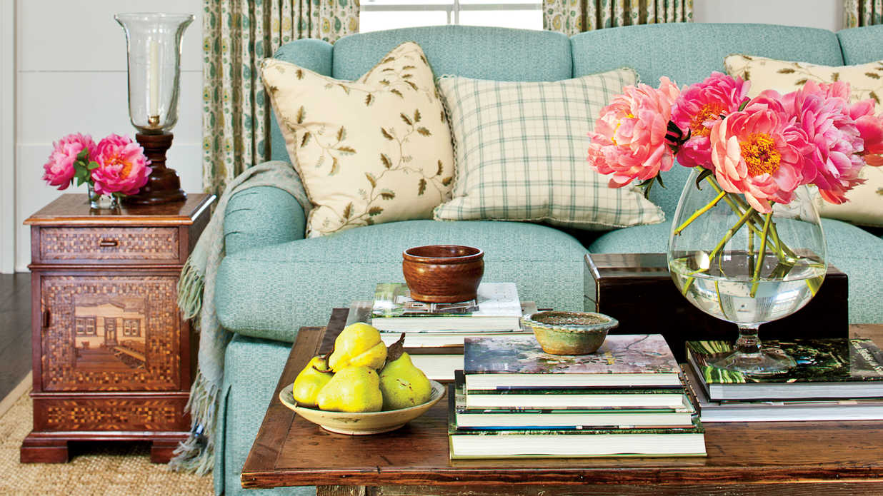Books Every Southern Hostess Should Have on Her Coffee Table