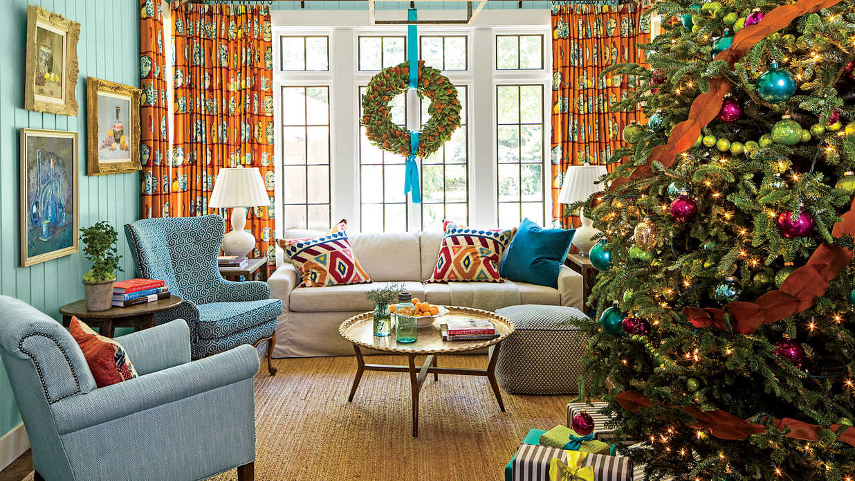 Cheerful christmas color schemes southern living for How to decorate living room window for christmas