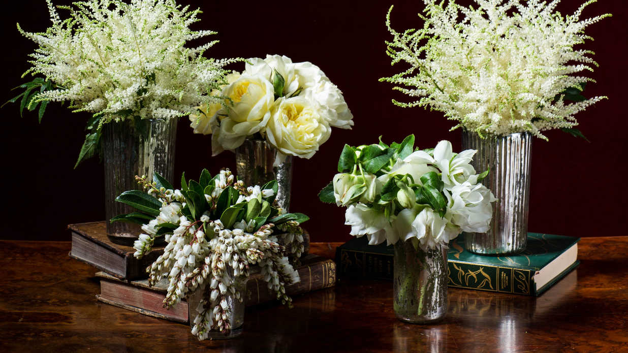 Step-by-Step Holiday Flower Arrangements