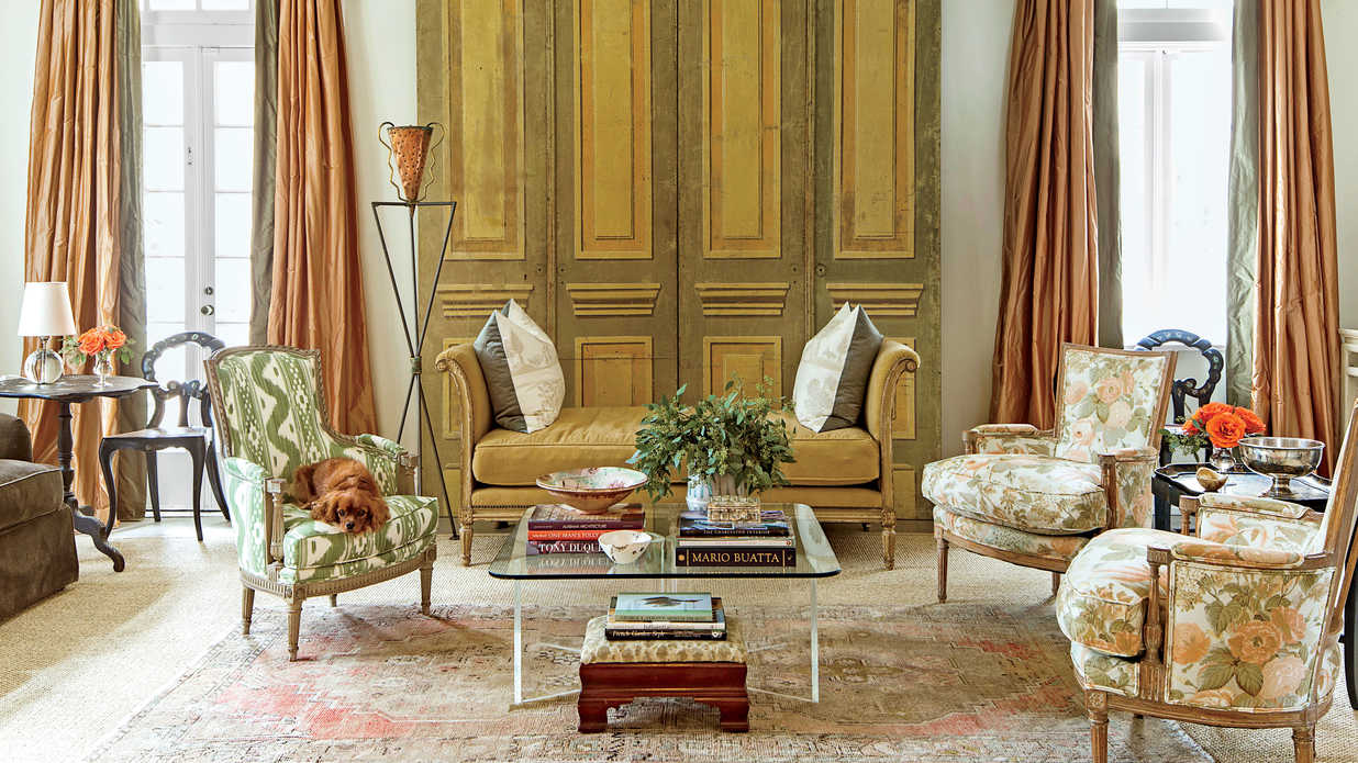 The living room classically elegant new orleans home for Interior designs new orleans