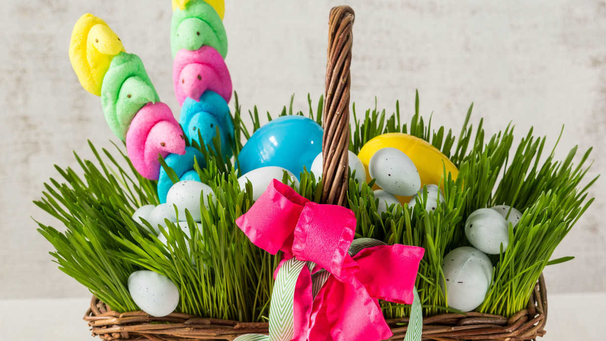 38 Beautiful Easter Decorations for 2019