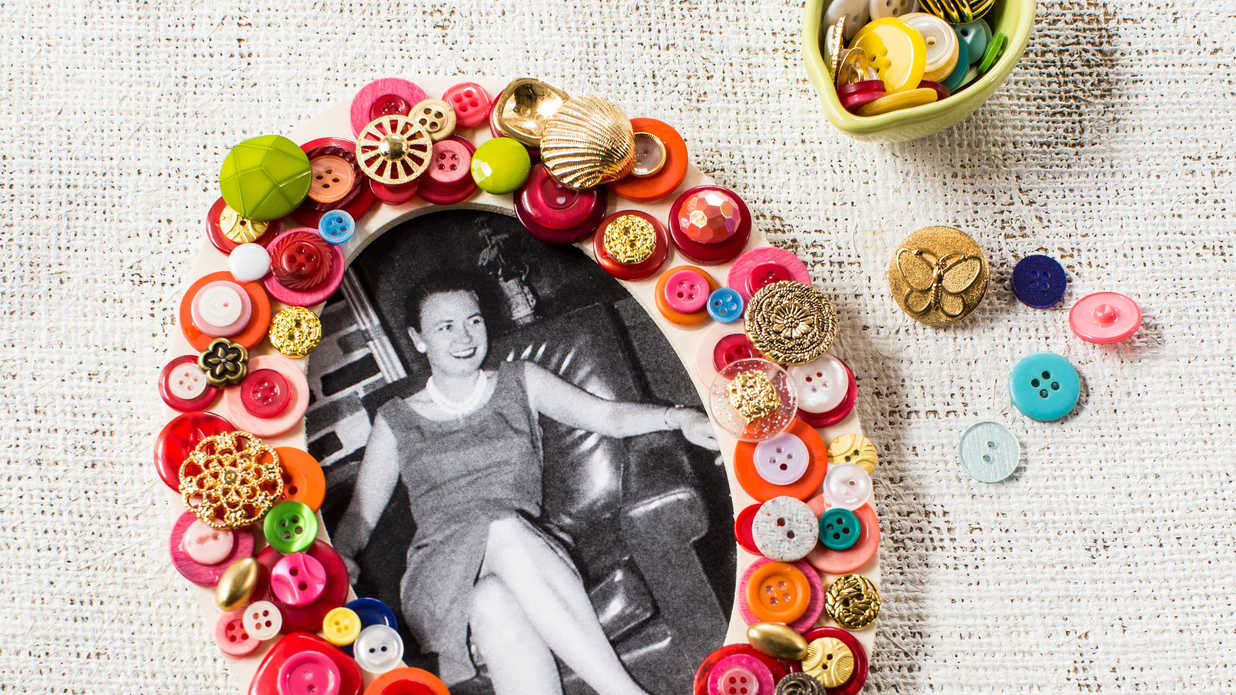 DIY Button Picture Frame