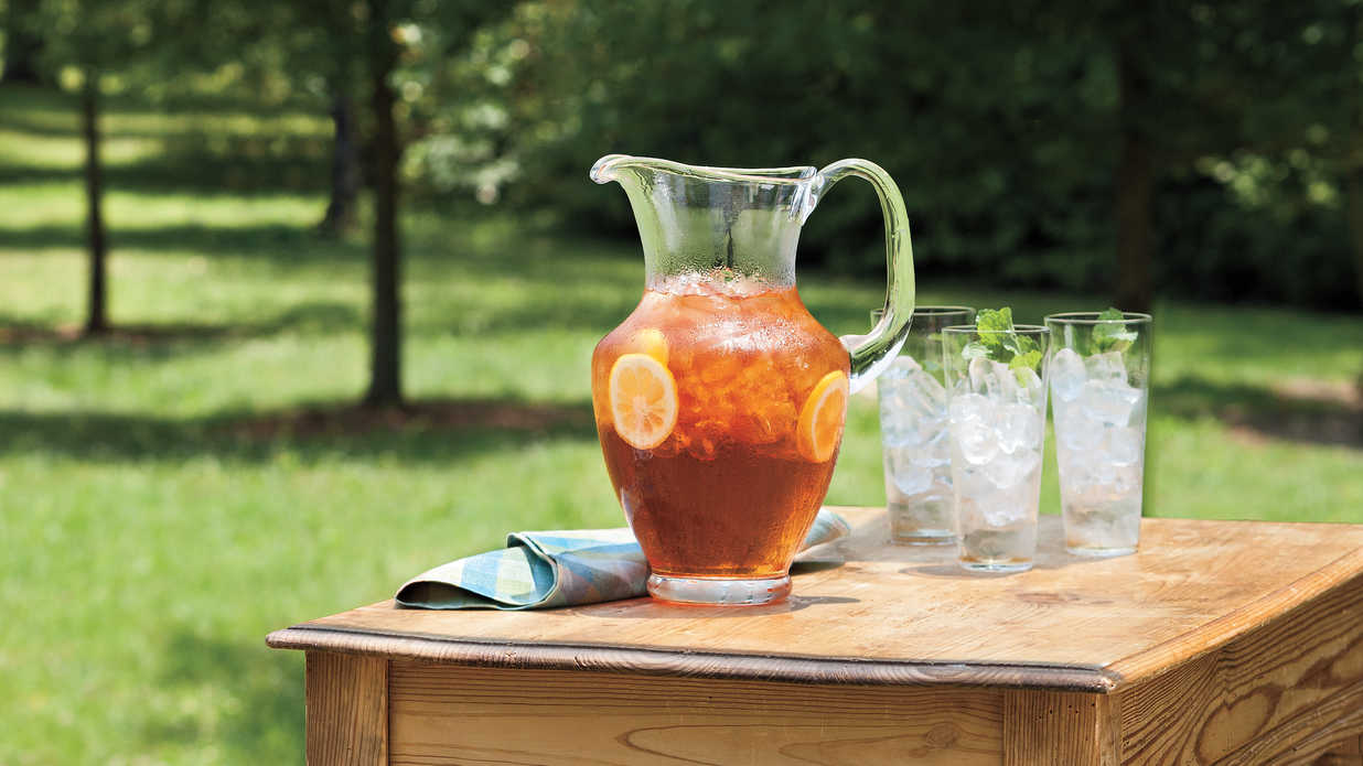 Refreshing Teas and Non-Alcoholic Sippers