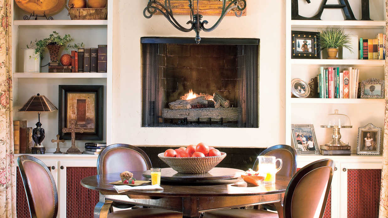 Raise the fireplace stylish dining room decorating ideas for Southern living dining room ideas