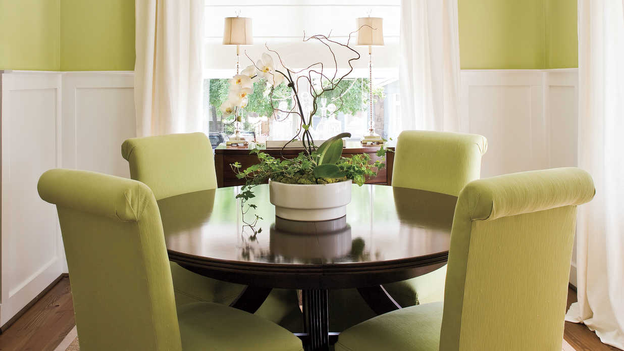Decorating ideas dining room - Make A Small Dining Room Look Larger Stylish Dining Room Decorating Ideas Southern Living