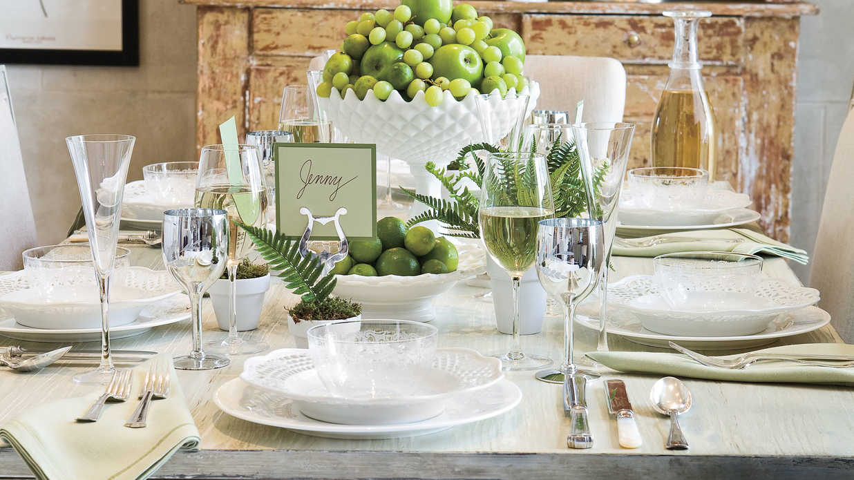 Relaxed Summer Table Setting by Eddie Ross