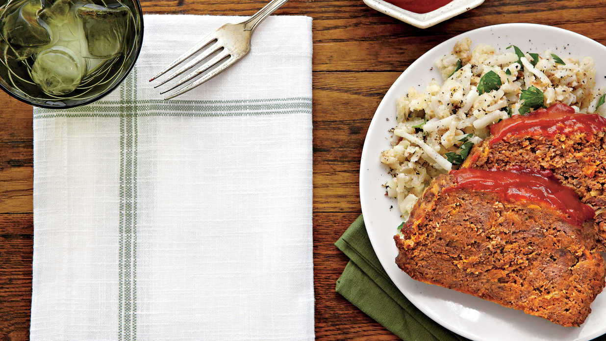 The Best Way to Shape a Meatloaf - Southern Living