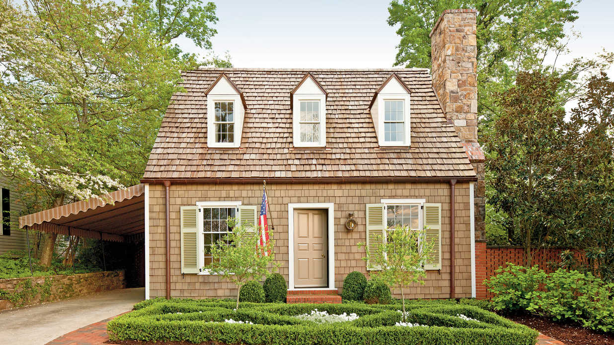 Re create colonial williamsburg style southern living for Colonial home styles guide