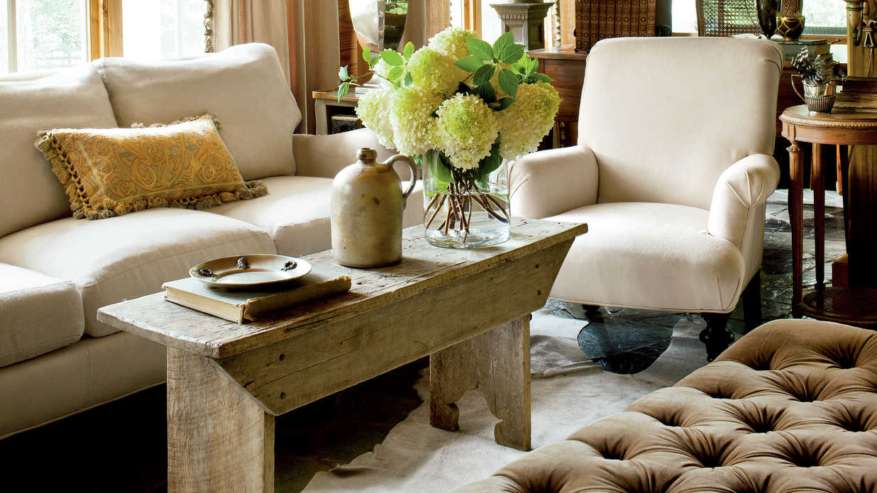 Classic Farmhouse Decorating - Southern Living