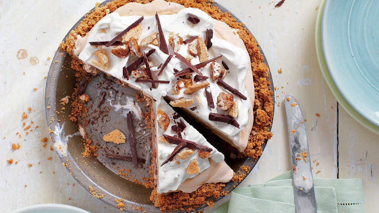 Chocolate Pie Recipes That We're Drooling Over