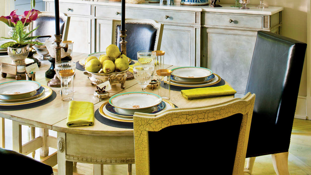 Refined Traditional Thanksgiving Table Setting Southern