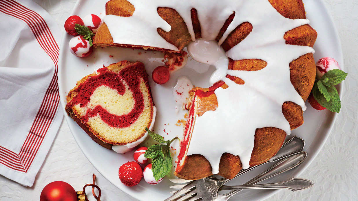 19 Valentine's Desserts That Have Us Seeing Red