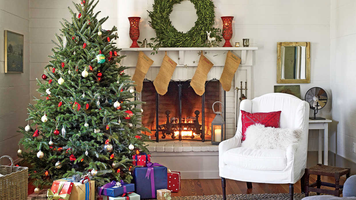 Of Living Rooms Decorated For Christmas Christmas Tree Decorating Ideas Southern Living