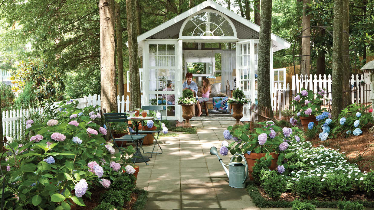 Backyard Escape: Romantic Conservatory