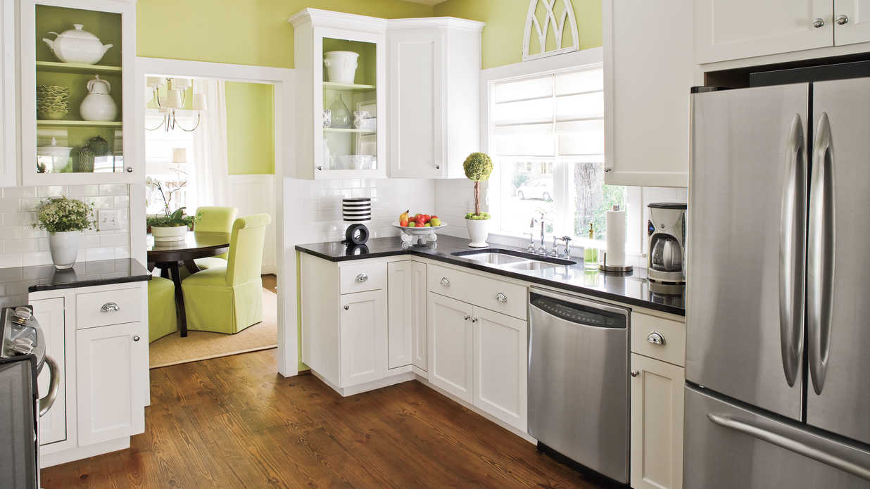 Design ideas for kitchens and breakfast nooks southern for Amy ruth s home style southern cuisine