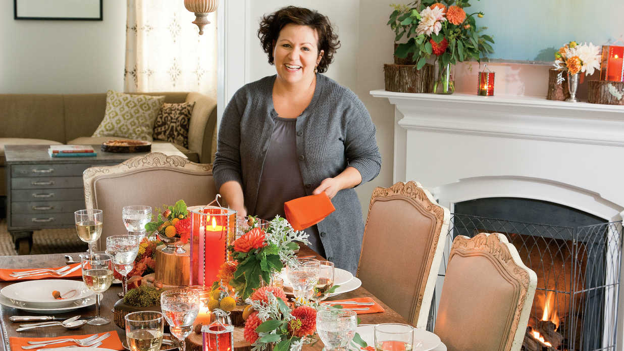 Natural thanksgiving table decoration ideas southern living for Amy ruth s home style southern cuisine