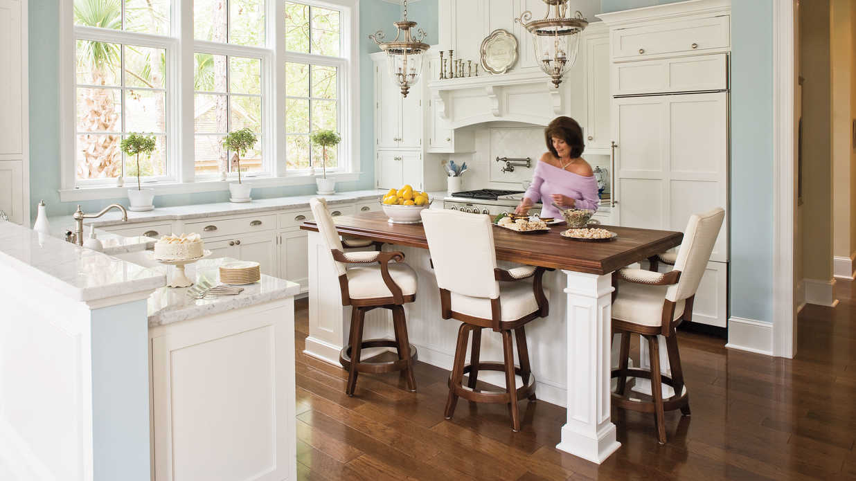 Elegant kitchen decor southern living - Decorating walls with pictures ...