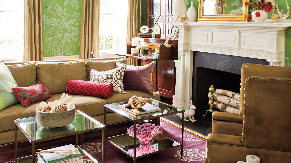 Charleston home living room southern living - Federal style interior decorating ...