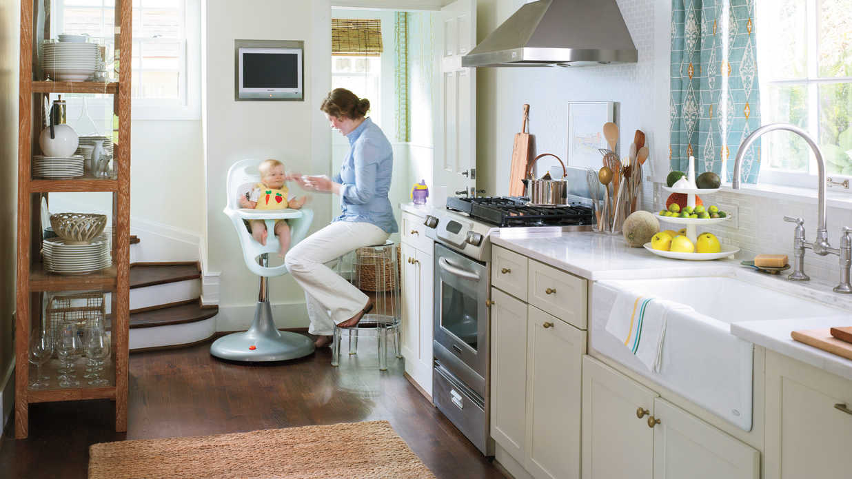 Galley layout small kitchen design ideas southern living for Southern style kitchen ideas