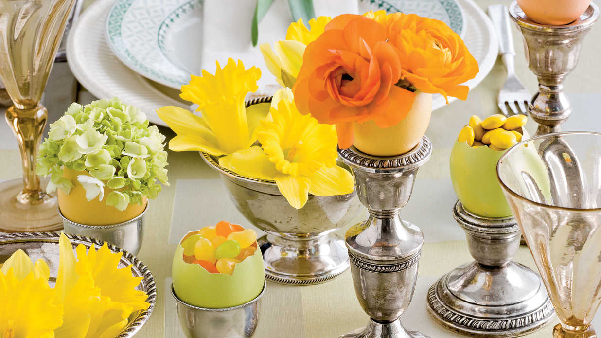 Egg cellent easter egg table decorations southern living for Amy ruth s home style southern cuisine