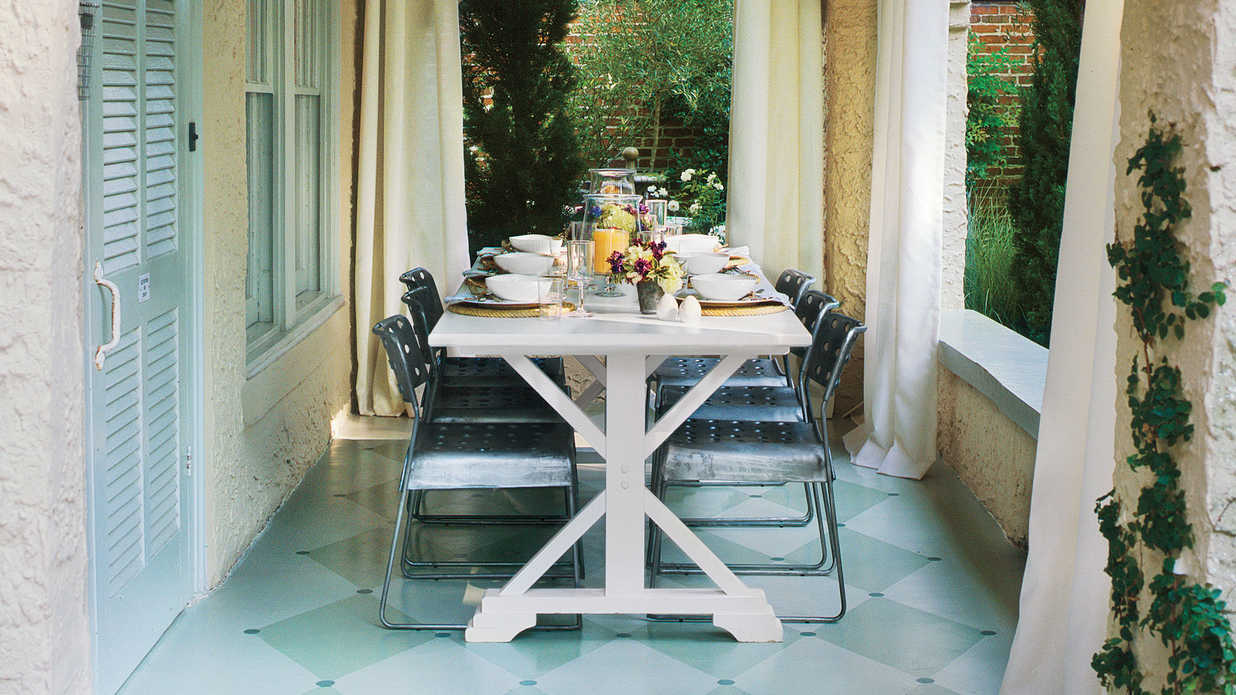 Dine Outdoors in Style