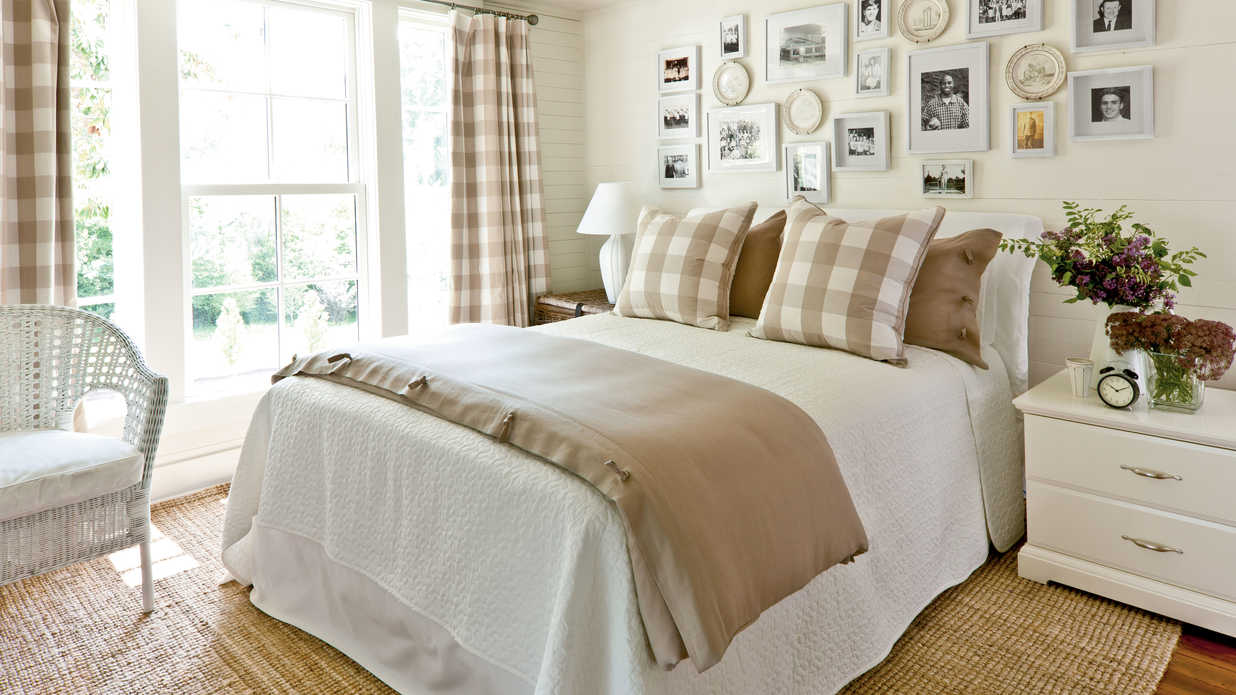 Khaki gingham bedroom gracious guest bedroom decorating Guest bedroom decorating tips