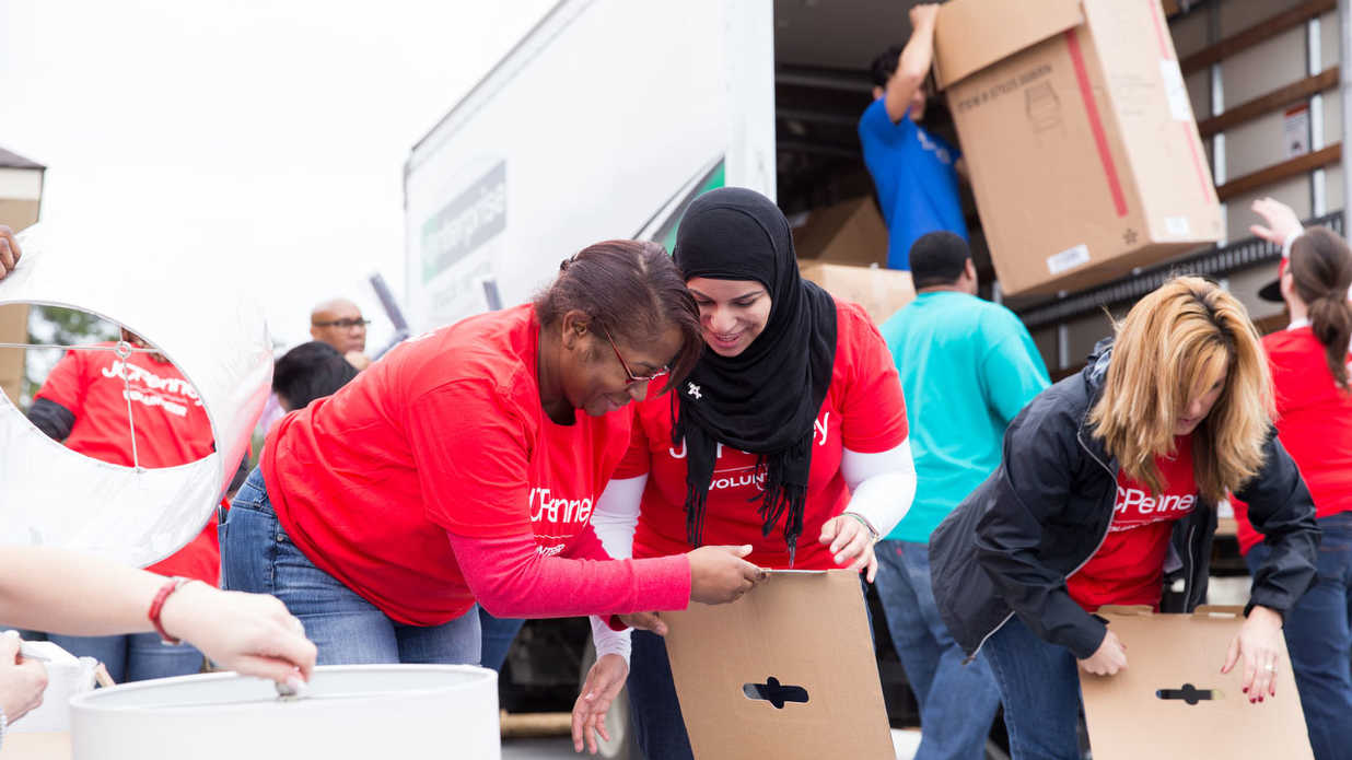 5 Amazing Ways To Give Back to the Community