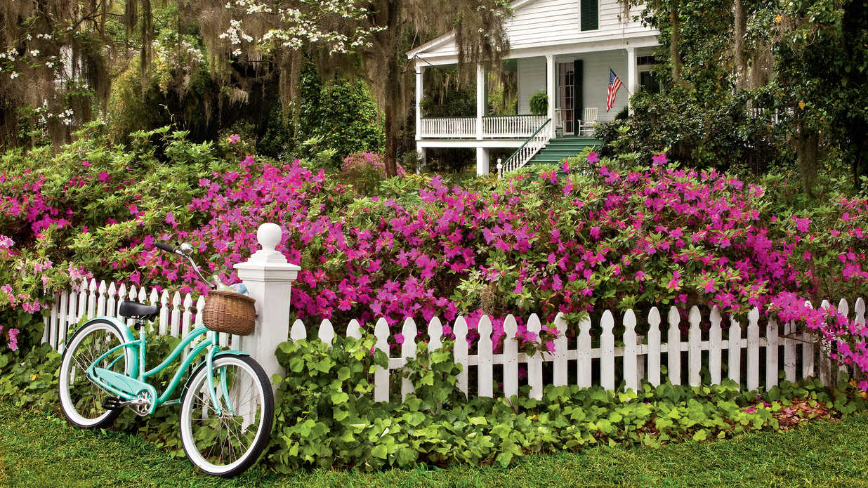21 Gardens That Have Us Itching for Spring